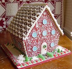 Such a pretty Gingerbread house!!