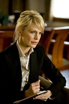 Still of Kathryn Morris in Cold Case. This was one of my favourite crime shows and her hair was always so impeccably perfect in each episode!