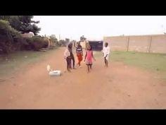 Niños Bailando Africano Descalzos!