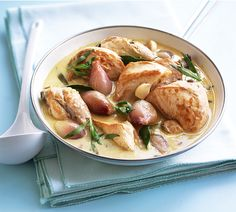 This creamy chicken sauté recipe is deceptive - it looks fattening but it actually makes a fantastic low-salt, low-fat, low-carb dinner.