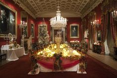 British stately homes-Chatsworth House dressed for Christmas