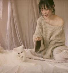 Japan Painting, Beautiful Asian Girls, Fashion Photography, Idol, Feminine, Poses, Cats, Animals, Women's
