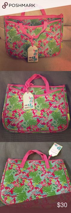"""Lilly Pulitzer laptop case Lilly Pulitzer zip laptop case with Velcro front pouch. Fits laptops up to 15.4"""" Lilly Pulitzer Accessories Laptop Cases"""