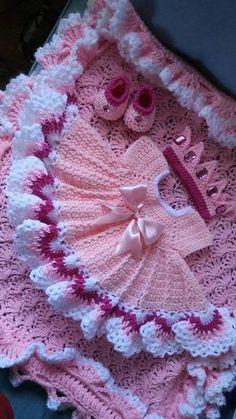 White crochet baby dress set w Beau Crochet, Crochet Baby Dress Pattern, Baby Girl Crochet, Crochet Baby Clothes, Baby Blanket Crochet, Crochet For Kids, Knit Crochet, Crochet Crown, Crochet Dresses