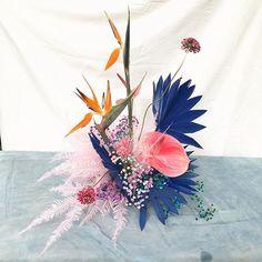 The incredible work of floral artist Felisa Funes Of The Flowers. Modern Wedding Flowers, Wedding Flower Inspiration, Floral Wedding, Ikebana, Wedding Fotos, Boho Vintage, Arte Floral, Tropical Flowers, Summer Flowers