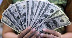 """الدولار يسجل 15.88 جنيه فى نهاية تعاملات اليوم - كتب  أحمد يعقوب تراجع سعر صرف الدولار الأمريكى أمام الجنيه المصرى اليوم الثلاثاء حيث بلغ متوسط سعر صرف الدولار الأمريكى أمام الجنيه المصرى 15.1786 جنيه للشراء و15.8857 جنيه للبيع وسجل اليورو الأوروبى 16.3321 جنيه للشراء و 17.0946 للبيع. ووفقا لمتوسط أسعار البنك المركزى المصرى سجل الجنيه الإسترلينى 18.8639 جنيه للشراء و 19.7491 جنيه للبيع وسجل الفرنك السويسرى 15.1892 جنيه للشراء و 15.8984 جنيه للبيع وبلغ الين اليابانى """"100 ين"""" 14.0166 جنيه…"""