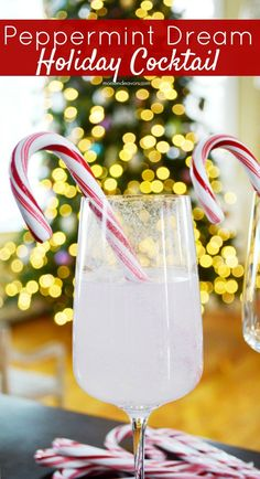 Peppermint Dream Cocktail - perfect for Christmas or New Year's Eve parties!