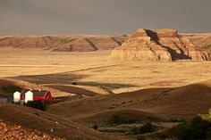 Castle Butte in Big Muddy Valley of Saskatchewan by Mark Duffy Canada Tourism, Saskatchewan Canada, Canada Eh, Beautiful Places In The World, Monument Valley, Places Ive Been, Places To Visit, Castle, True North