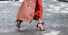 Want to know the way to wear heels without pain? Check out our strange trick.