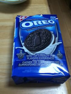Stanly cup Oreos ! Stanley Cup, Cat Pin, Oreos, 4 Life, Hockey, Wings, Field Hockey, Feathers, Feather