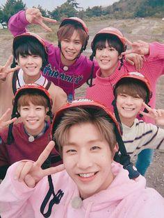 Astro is so cute! Jooheon, Korean Bands, South Korean Boy Band, Astro Banda, K Pop, Kim Myungjun, Mundo Musical, Day6 Sungjin, Jinjin Astro