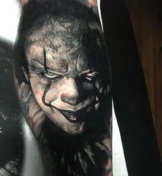 Pennywise the Clown - Tattoo Ideas Creepy Tattoos, 3d Tattoos, Skull Tattoos, Black Tattoos, Body Art Tattoos, Tattoos For Guys, Sleeve Tattoos, Cool Tattoos, Evil Clown Tattoos