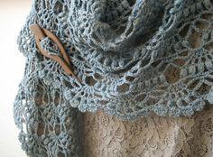 Mooie gehaakte sjaal. Fotoinstructies bij de bron.