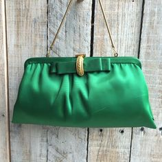 Stunning Vintage Ande evening bag - Supple Green Satin Handbag with adorable pale pinkish interior - Fabulous green and gold tone hardware bow