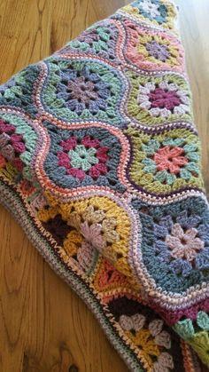 Motifs Afghans, Crochet Motifs, Afghan Crochet Patterns, Crochet Squares, Crochet Shawl, Crochet Baby, Free Crochet, Knitting Patterns, Crochet Blankets