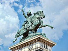 Statue, Vercingetorix, Celtic warrior priest and Chief of fthe Averni; Place de Jaude, in Clermont-Ferrand