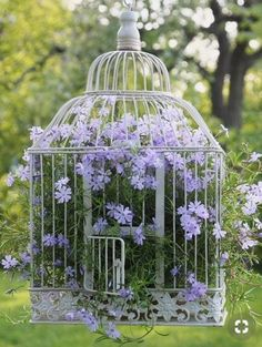 DIY Gartendeko selber machen – VogelkäfigdekoYou are in the right place about bird in flight Here we offer you the most beautiful pictures about the bird paper you are looking for. When you examine the DIY Gartendeko selber machen – Vogelkäfigdeko Diy Garden Decor, Garden Art, Garden Types, Garden Decorations, Deco Floral, Garden Cottage, Porch Garden, Garden Table, Hanging Baskets