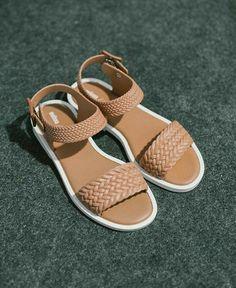 Women shoes Jimmy Choo - Women shoes Nike Beautiful - Women shoes Flats Zapatos - Women shoes For Fall - Women's Shoes, Shoes Flats Sandals, Cute Sandals, Cute Shoes, Pumps Heels, Wedge Shoes, Shoe Boots, Shoes Style, Golf Shoes