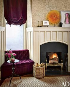 To brighten up her home in a Victorian-era New York building, Jessica Chastain turns over the keys to designers Jesse Carrier and Mara Miller Jessica Chastain, New York City Apartment, Apartment Living, Architectural Digest, Palazzo, Cosy Fireplace, New York Buildings, Celebrity Houses, Celebrity Photos
