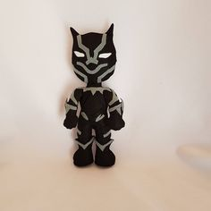 Black panther, geeky pupazzi, wakanda, ragazze geek, Marvel gift, pupazzi cartoon, stoffed dolls, t'challa, supereroi. Made Italy #blackpanther #wakanda #avengers #geek #dolls