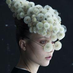"Duy Anh Nhan Duc (@duyanhnhanduc) su Instagram: ""DANDELION Dandelion evasive headdress and glasses. Creative collaboration with photographer…"""