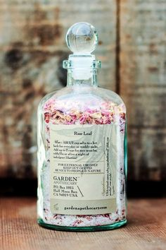 Garden Apothecary Rose Bath Tea is Hannah Skvarla's beauty essential (Bottle Gift Bath Salts) Bath Bombs, Style Board, Perfumes Vintage, Diy Beauté, Recycled Glass Bottles, Bath Tea, Tea Packaging, Bath Bomb Packaging, Packaging Ideas