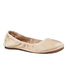 Antonio Melani Prima Flats My favorite basic black flats. Cream Flats, Nude Flats, Black Flats, Ballet Flats, Crazy Shoes, Me Too Shoes, Antonio Melani, Flat Boots, Leather Flats