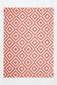 Inverted Diamond 5x7 Rug in Red - Urban Outfitters