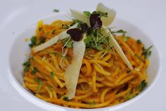 Tekvicové špagety - Powered by Spaghetti, Healthy Recipes, Healthy Food, Pasta, Vegan, Chicken, Cooking, Ethnic Recipes, Fit