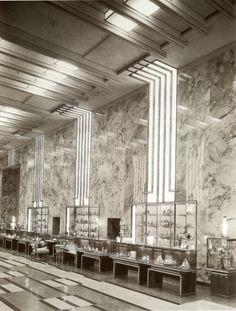 There's an Iconic Art Deco Department Store Frozen in Time inside an LA Law School Monuments, Art Nouveau, Art Deco Stil, Streamline Moderne, Art Deco Buildings, Vintage Interiors, Art Deco Design, Brutalist, Department Store