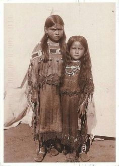 vintage everyday: Native American Kids – 31 Rare Comanche girls, 1891 Vintage Photos of Indian Children in the late CenturyPUBLIC DOMAIN Native American Children, Native American Beauty, Native American Photos, Native American Tribes, Native American History, American Indians, Native American Photography, Native American Spirituality, Indian Photography