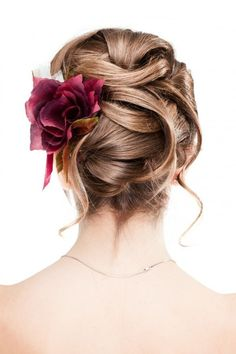Is your big day coming up? How exciting! Let me first start by saying congratulations! This is the day for you and your groom to shine. Search through these 40 wedding hairstyles ideas and I'm sure you'll find one or two that catch your eye. I'm drawn to