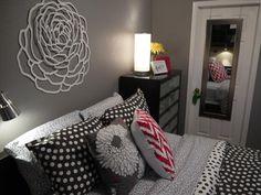 Cute teen girls room!