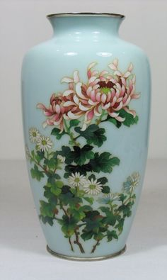 LARGE ANDO JAPANESE SILVER WIRE CLOISONNE VASE BEAUTIFUL
