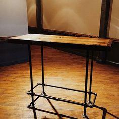 stehtisch elegant beton holz living inspiration wohnzimmer esszimmer k che stilvoll. Black Bedroom Furniture Sets. Home Design Ideas