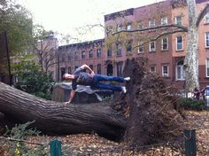 New Yorkers finding ways to keep smiling after Hurricane Sandy
