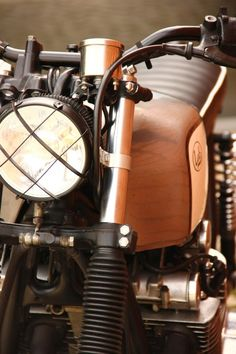 Really dig the wire work around the headlight