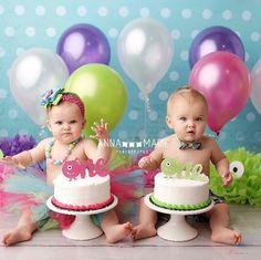 New Baby Twins Birthday Smash Cakes Ideas Twin Birthday Pictures, Twin Birthday Themes, Twin Birthday Cakes, Twin Birthday Parties, 1st Birthday Cake Smash, Twin First Birthday, Monster Birthday Parties, 1st Birthday Photos, Baby Birthday