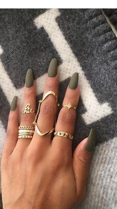 Matte khaki nails