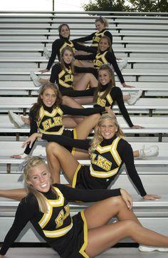 Senior photo idea cheerleading is life чирлидинг, групповые Dance Team Pictures, Cheer Team Pictures, Squad Pictures, Cheer Picture Poses, Cheer Poses, Senior Pictures, Drill Team Pictures, Dance Pics, Sports Pictures