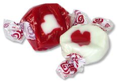 Peppermint Nougat Chews Red White - Crazy Candies Candies, Peppermint, Panna Cotta, Red And White, Good Food, Treats, Bar, Ethnic Recipes, Sweet