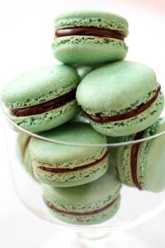 Weekend Baking Project: Minty Macarons