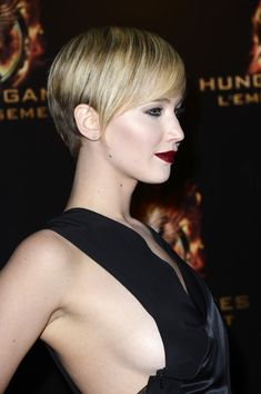'The Hunger Games: Catching Fire' Paris Premiere At Le Grand Rex. Jeniffer Lawrence.