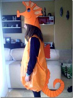 caballito 4g 1 Seahorse Costume, Fish Costume, Little Mermaid Play, Little Mermaid Costumes, Creative Halloween Costumes, Diy Costumes, Finding Nemo Costume, Sea Creature Costume, Under The Sea Costumes