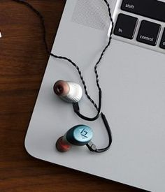 We are fans of Noble Audio here at GadgetyNews and we know that we're not alone in that. Some Noble IEM fans also dig Apple iOS devices though, which has caused a bit of an High End Hifi, In Ear Monitors, Cyber Monday Deals, Lightning, Black Friday, In Ear Headphones, Ios, Audio