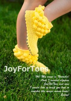 crochet slippers and shoes by JoyForToesCrochet Women Boots Slippers for the House One-colored Bubbles Yellow Custom Made. via Etsy.The listing is for pattern of the popular and unique bobble boots! With this pattern you will be able to crochet your Crochet Boots Pattern, Crochet Slippers, Free Crochet, Knit Crochet, Knitting Patterns, Crochet Patterns, Knitted Booties, Crochet Woman, Baby Knitting