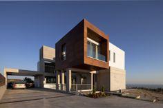 Peters House / Vardastudio Architects  Designers