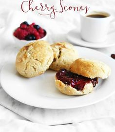 Vegan GF moist cherry scones made with natural sugar! They are the best scones you will ever try! Gluten Free Scones, Vegan Scones, Gluten Free Sweets, Vegan Gluten Free, Gluten Free Recipes, Vegan Recipes, No Bake Desserts, Vegan Desserts, Spelt Recipes