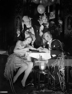 News Photo : Germany, Berlin. New Year's Eve at Hotel Adlon. November Revolution, Berlin Hotel, Underground World, Germany Berlin, Cabaret, World History, Still Image, Vintage Photographs, Germany