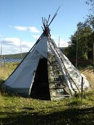Sami_Tent_in_Jukkasjarvi - want a tipi tent for our big wedding party Native American Teepee, Mud Hut, House Tent, Primitive Survival, Portugal, Lappland, Dry Stone, White Sea, Going Home